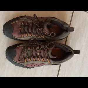 Merrell Men's Performance Footwear. Size 7. EUC
